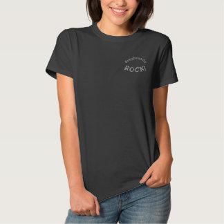 Windhund-Felsen gesticktes T-Shirt