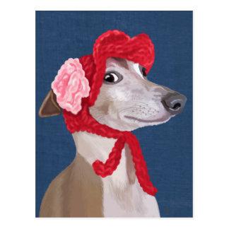 Windhund mit rotem wolligem Hut Postkarte