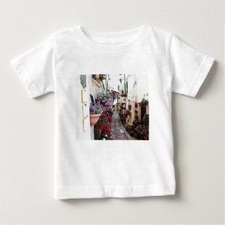 Windows-, Balkon- und Blumengassen in Spello Baby T-shirt