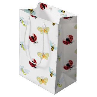 Wing-Nutz™_Fluttering Buddies_pattern Mittlere Geschenktüte