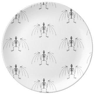 Winged 2 Skelett-Platte Teller