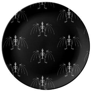 Winged Skeleton Platte Teller