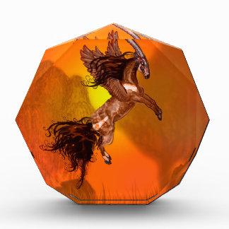 Winged wildes Tier Einhorn Saola Pferdepony-Browns Auszeichnung