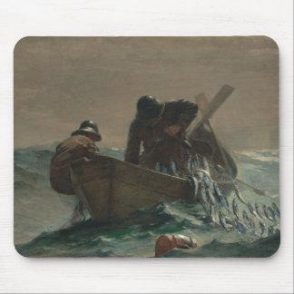 Winslow Homer - das Hering-Netz Mousepad