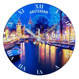 Winter-Amsterdam-Kanal nachts mit Booten Große Wanduhr