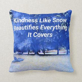 Winter-blaues weißes inspirierend Güte-Zitat Kissen