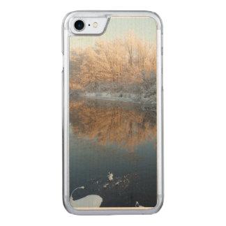 Winter durch den Fluss Carved iPhone 8/7 Hülle
