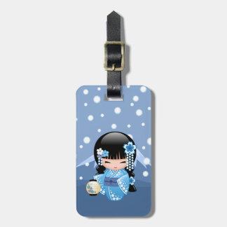 Winter Kokeshi Puppe - blaues Gepäckanhänger