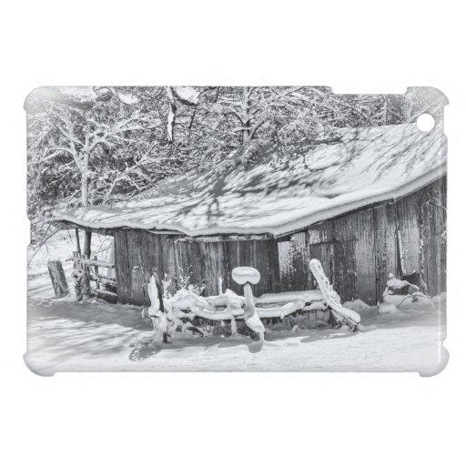 Winter-ländliche Szene der Scheune und der Rührsta iPad Mini Schutzhüllen