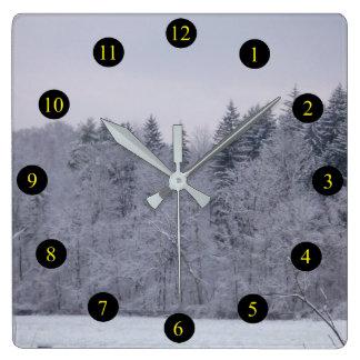 Winter-Landschaft Quadratische Wanduhr