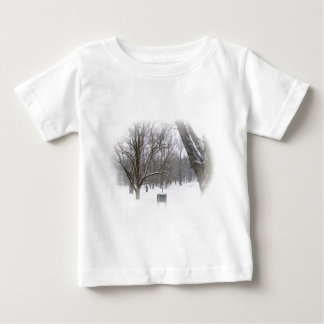 Winter-Schlaf im Lech Baby T-shirt