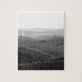 Winter-Toskana-Landschaft mit gepflogenen Feldern Puzzle