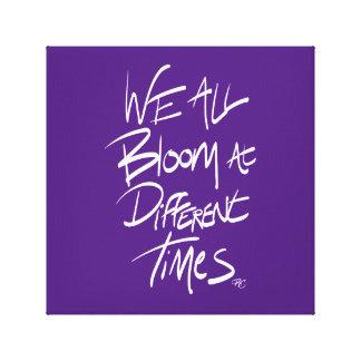 Wir alle Blüte zu den verschiedenen Zeiten - lila Leinwanddruck