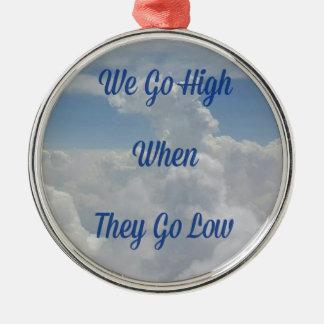 """""""Wir gehen"""" Zitat-ungewöhnliche Wolken-Bildung auf Silbernes Ornament"""