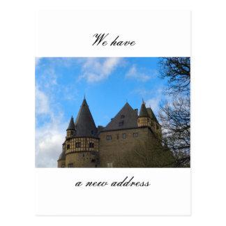 Wir haben eine neue Adresse Postkarte