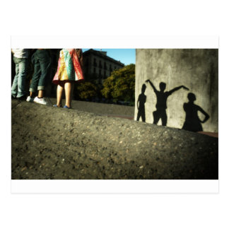 Wir jubeln, wir tanzen zu, wir fungieren verrückt postkarte