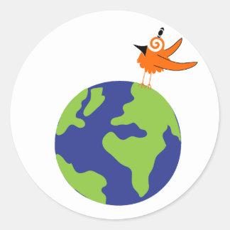Wirbler Vogel rettet die Welt für nachhaltige Erde Runder Aufkleber