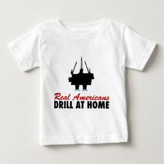 Wirkliche Amerikaner bohren zu Hause Baby T-shirt