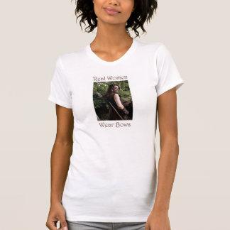 Wirkliche Frauen-Abnutzung beugt Bogenschießen-T - T-Shirt