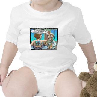 Wirkliche hinteren Schmerz-lustige T-Shirts-Tassen