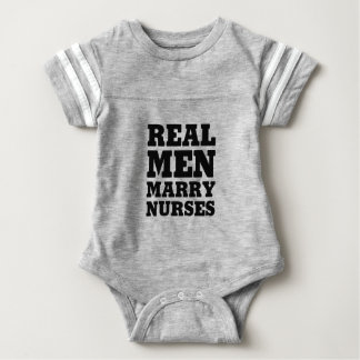Wirkliche Männer heiraten Krankenschwestern Baby Strampler