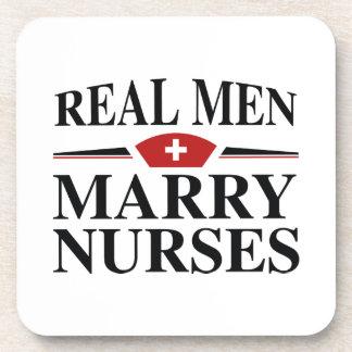 Wirkliche Männer heiraten Krankenschwestern Untersetzer