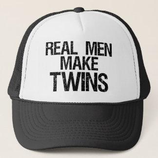Wirkliche Männer machen Zwillinge Truckerkappe