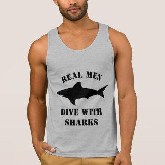 Wirkliche Männer tauchen mit Behälterspitzen-Shirt Tank Top
