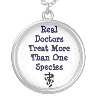 wirkliches Doktoren tx >1 spp Versilberte Kette