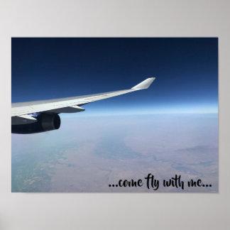 Wirkliches Foto des Flugzeugflügels - gekommene Poster