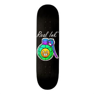 Wirkliches Ink™ smiley-Granaten-Schwarz-Skateboard Personalisierte Skateboarddecks
