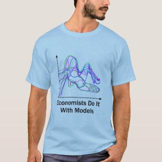 Wirtschaftswissenschaftler tun es mit Modell-helle T-Shirt