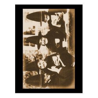 Witches Tea Party – sepia Postkarte