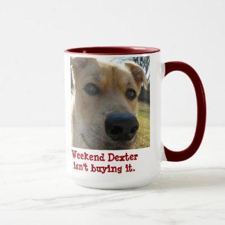 Wochenenden-Dexter-Tasse auf einer Tasse