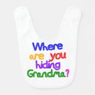 Woher verstecken Sie Großmutter? Babylätzchen
