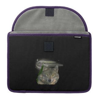 Wolf an den Nachtprodukten MacBook Pro Sleeve