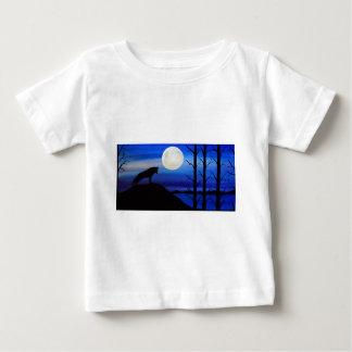 Wolf auf dem Berg Baby T-shirt