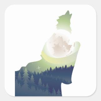 Wolf, der im Nachtwald 3 heult Quadratischer Aufkleber