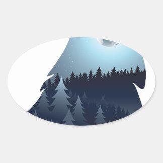 Wolf, der mit Wald 4 heult Ovaler Aufkleber