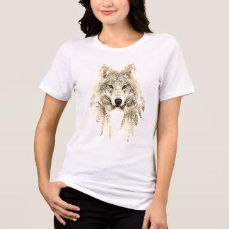 Wolf in einheimisches Kleid entspanntem