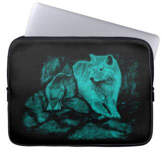 Wolf und Rabe in der Nacht Laptopschutzhülle