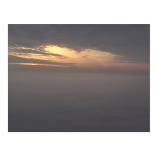 Wolken am Sonnenaufgang Postkarte