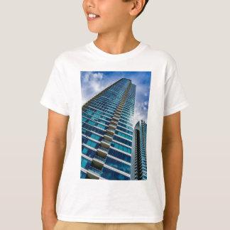 Wolkenkratzer von im Stadtzentrum gelegenem San T-Shirt
