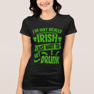 Wollen Sie einfach, um lustiges Zitat betrunkener T-Shirt