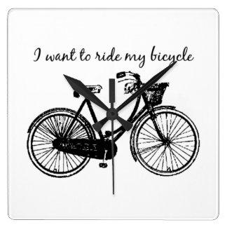"""""""Wollen Sie, um mein Fahrrad zu fahren"""" Quadratische Wanduhr"""
