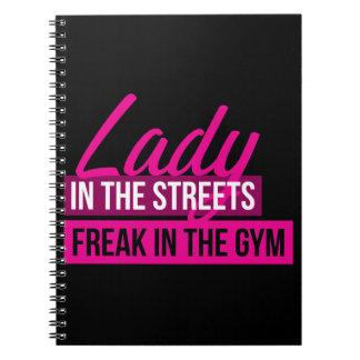 Workout-Spaß - Dame In Streets, Freak in der Spiral Notizblock