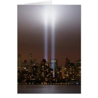 World Trade Centertribut im Licht in New York. Grußkarte