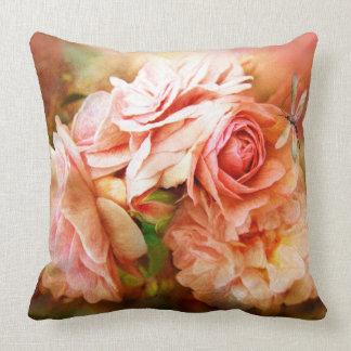 Wunder einer Rose - Pfirsich - Kissen