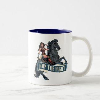 Wunder-Frau auf PferdeComic-Kunst Zweifarbige Tasse