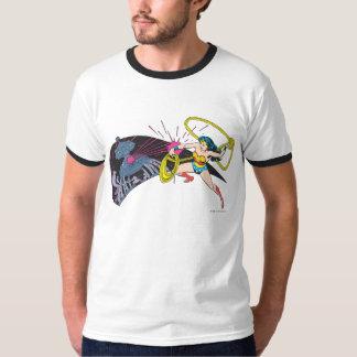 Wunder-Frau gegen Roboter T-Shirt